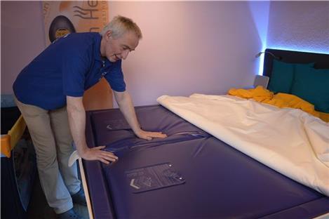 schlafen auf luft ludger wissing baut besondere betten. Black Bedroom Furniture Sets. Home Design Ideas