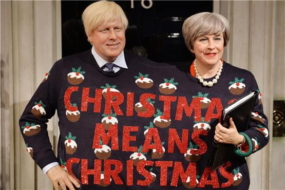 Theresa May und Boris Johnson gemeinsam im Strick-Pulli