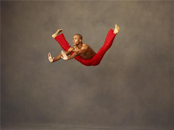 Beats und Gospel: Alvin Ailey American Dance Theater fasziniert