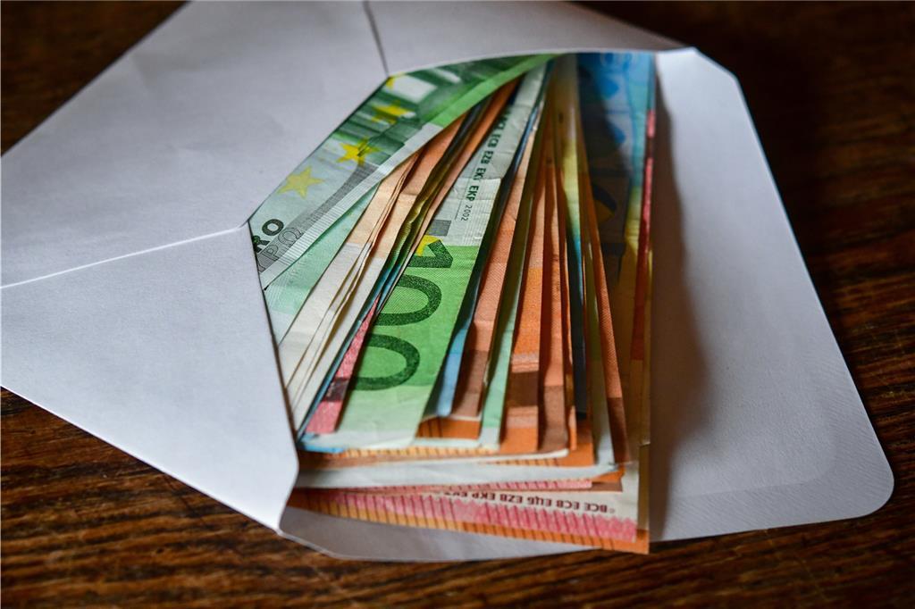 unterschlagung von geld