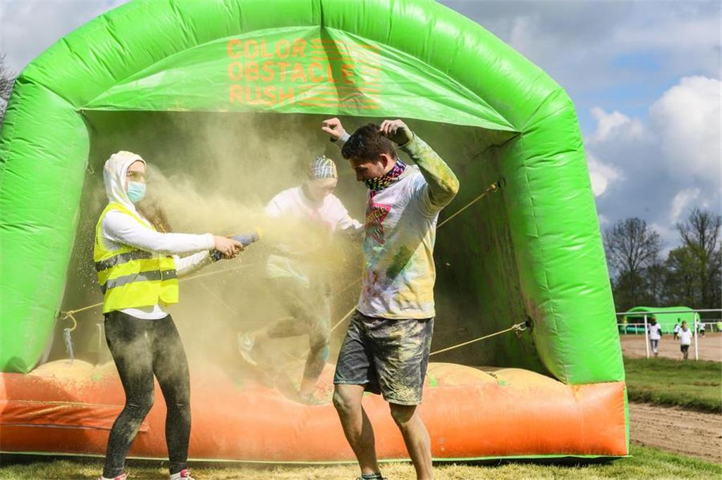 Beim Color-Obstacle-Rush wurde nicht an Farbe gespart.