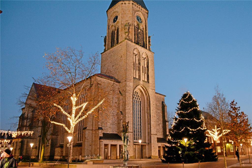 Geschichte Vom Weihnachtsbaum.Weihnachtsbaum Auf Dem Markt Hat Eine Geschichte