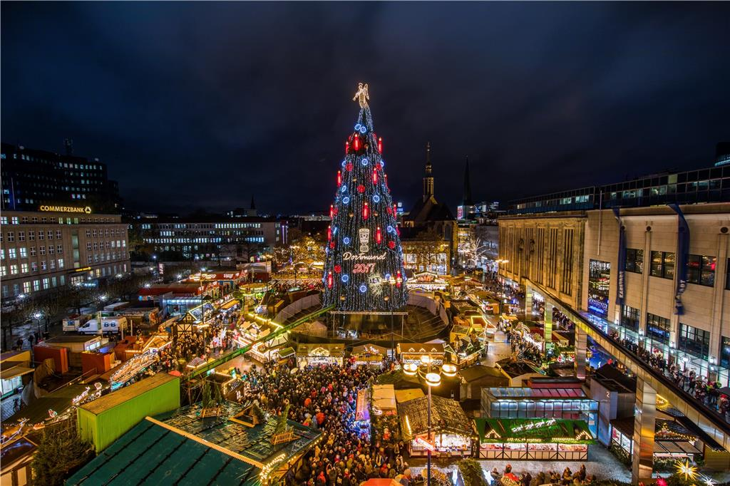 Dortmunds Tanne Hat Die Lampen An