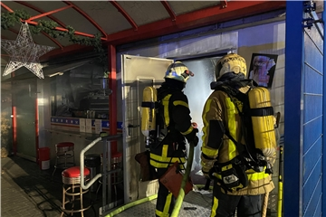 Brandstiftung in Pommesbude
