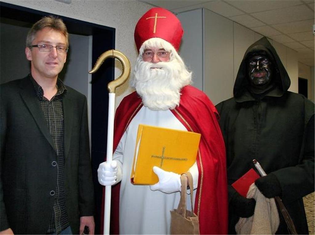 Nikolaus und Knecht Ruprecht besuchen Patienten